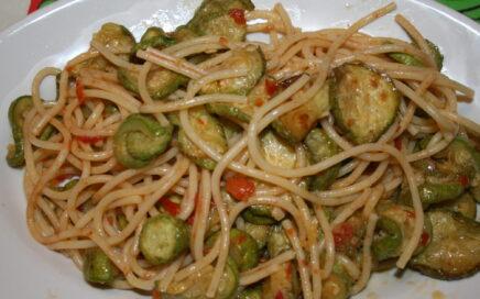 Bucatini con zucchine